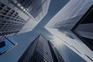 edificios y cielo