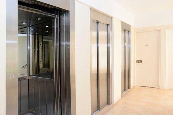 Cabo-Corrientes cabina abierta de ascensor